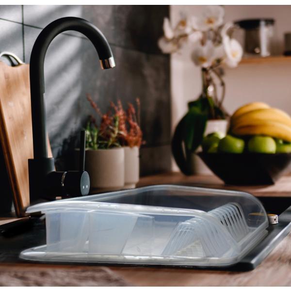Geschirrablaufkorb mit Tablett